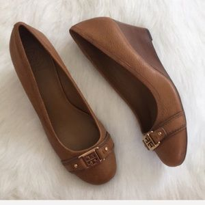 NWOT Tory Burch Natalya pebbled leather wedge heel